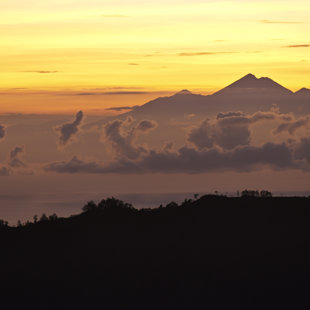 Mt. Rinjani on Lombok, 50 km away can easely be seen from the Mt. Batur, Bali