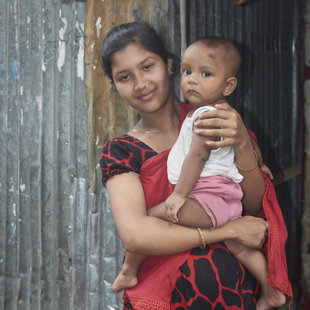 Young mother, Koral Slum, Dhaka
