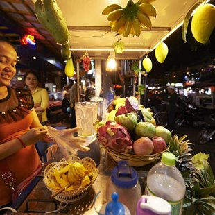 Fresh fruit shakes made with a smile, Siam Reap