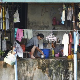 Living netx to a klong, Bangalampuh